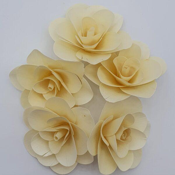 Capete trandafiri din lemn